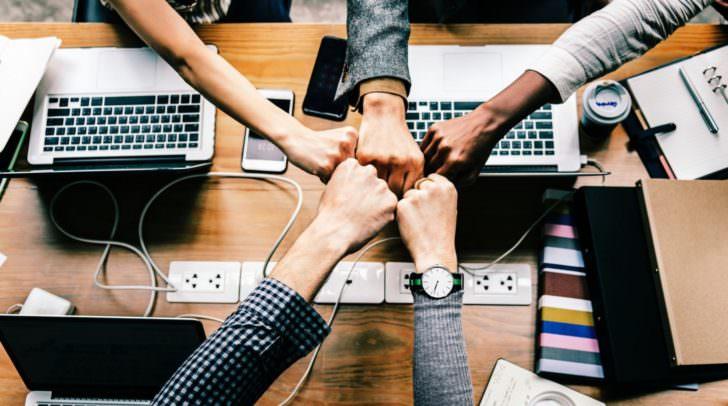 Es empfiehlt sich ein Team an Mitarbeitern mit der Organisation und Durchführung des Firmenumzuges zu beauftragen.