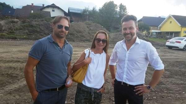 Adolf Nageler (Geschäftsführer Nageler Immobilien) mit Sigrid Haslinger und Immobilienprofi Thomas Schneeberger von Nageler Immobilien.