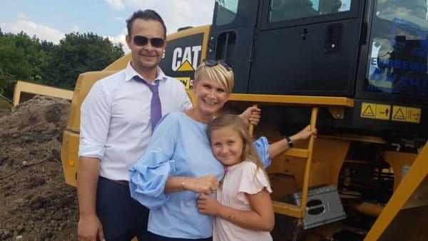 Christian und Melanie Schaufler samt Töchterchen.