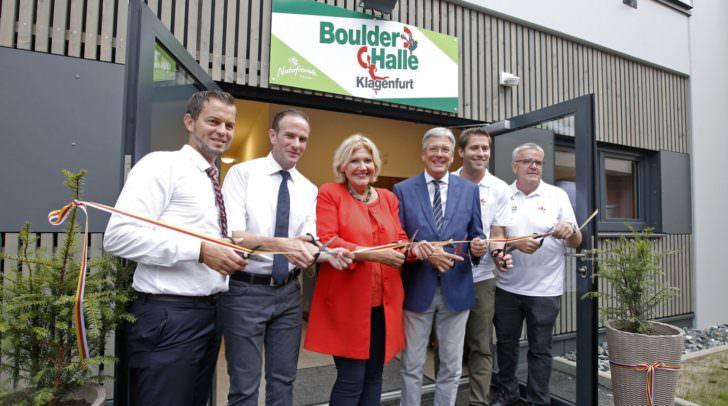 LH Peter Kaiser und Bürgermeisterin Maria Luise Mathiaschitz eröffneten gemeinsam mit den Funktionären der Naturfreunde die neue Boulderhalle in Klagenfurt.