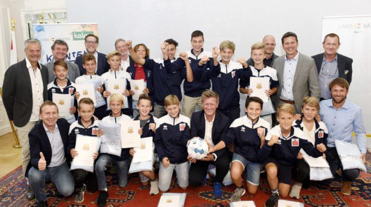 Präsentation Schulsportbericht 2017/2018: Ehrung des Fußball-Schülerliga Bundessiegers BRG Lerchenfeld