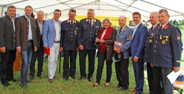 Groß war die Zahl der Gratulanten, die zum Feuerwehrjubiläum nach Wölfnitz gekommen war.