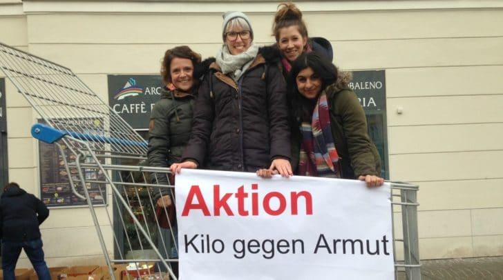"""Die youngCaritas sammelt am Donnerstag in Klagenfurt bei der Aktion """"Kilo gegen Armut"""" wieder lang haltbare Lebensmittel und Hygieneartikel."""