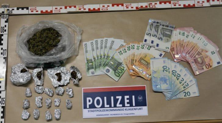 Die Beamten stellten Drogen, Geld und Handys sicher