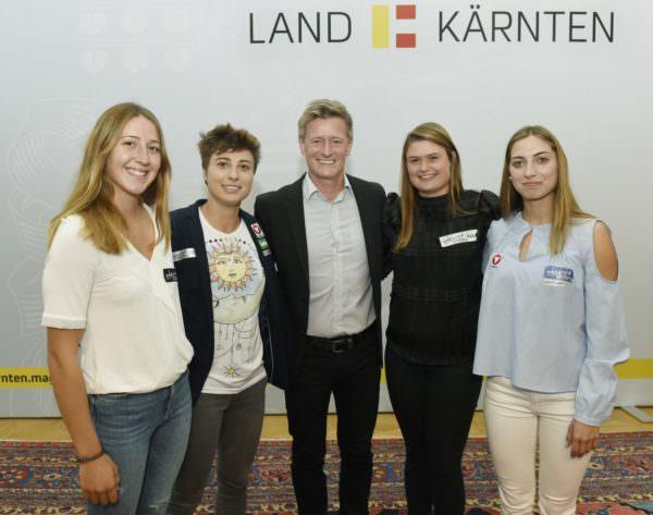 Antonia Oschmautz, Nadine Weratschnig, Landessportdirektor Arno Arthofer, Valentina Dreier, Nina Weratschnig