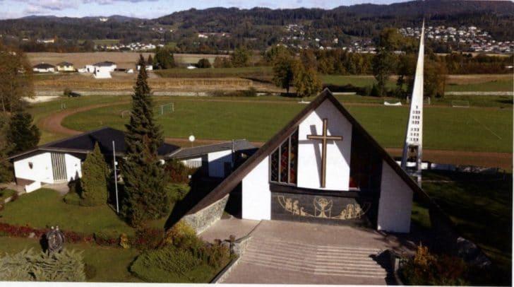 Luftaufnahme der Soldatenkirche