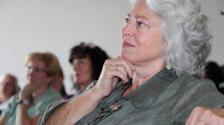Validationsmaster Vicky de Klerk Rubin referiert beim Demenzkongress Velden.