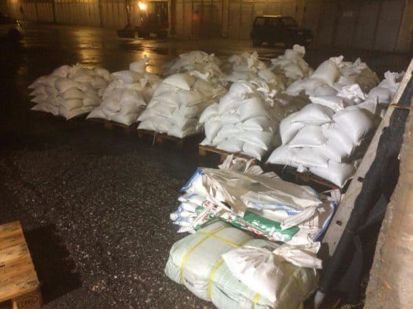 2160 Sandsäcke wurden bereits von den Einsatzkräften befüllt.
