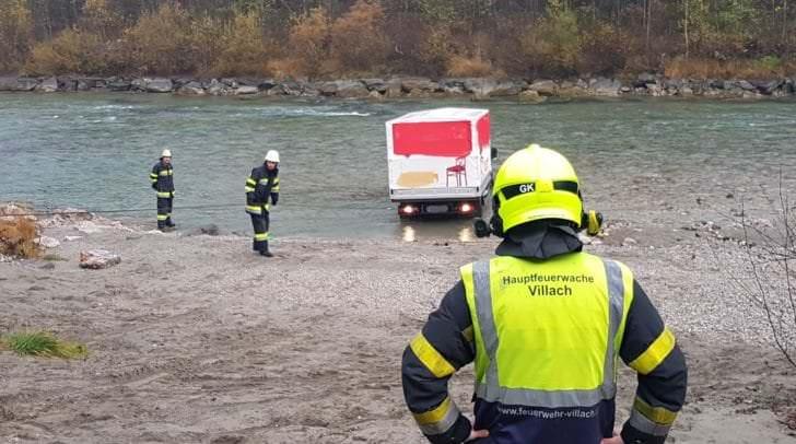 Im Einsatz standen die oben erwähnten Feuerwehren mit sieben Fahrzeugen und rund 35 Mann unter der Einsatzleitung von OBI Ing. Glanznig Karl, Kommandant der FF Turdanistch- Tschinowitsch sowie die Polizei Villach.