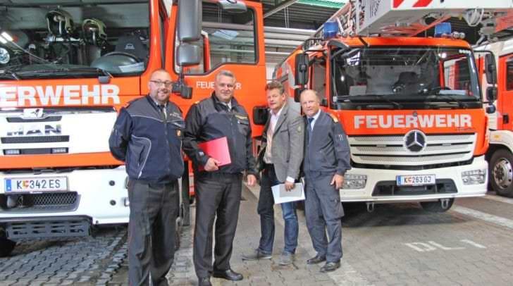 Klagenfurts Feuerwehr ist gut aufgestellt: Feuerwehrreferent<br /></noscript>Vizebürgermeister Christian Scheider mit BF-Kommandant Ing. Gottfried<br />Strieder, LFK-Stv. und BFK Dietmar Hirm und Albert Lesjak von der FF St.<br />Martin.