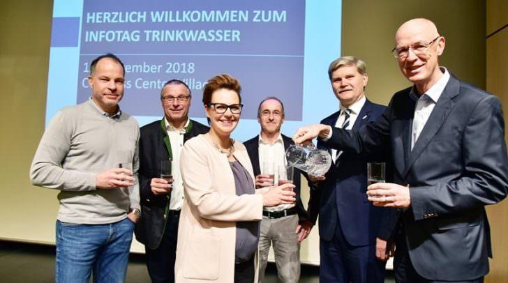 v.l.n.r.: Herfried Zessar, Freddi Gailberger, Stadträtin Katharina Spanring, Peter Weiss, Manfred Eisenhut, Kurt Rohner.