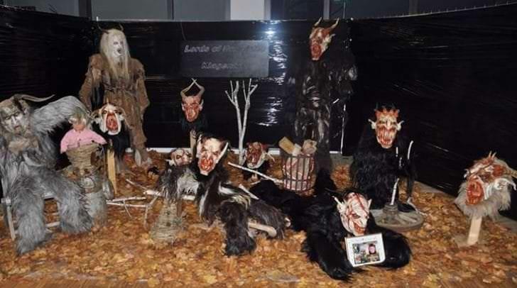 Die Maskenausstellung findet jeder Jahr für einen guten Zweck statt.