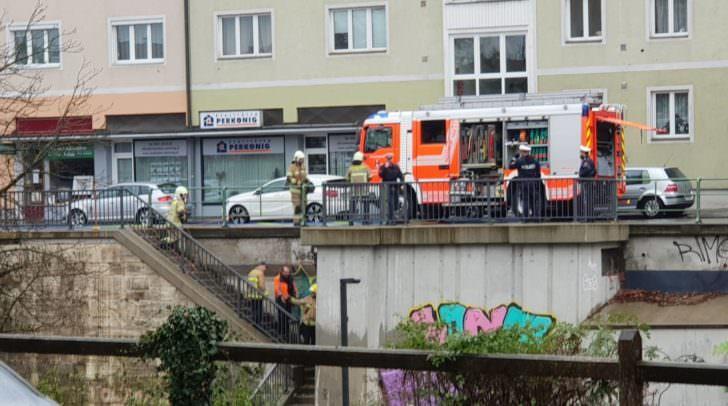 Einsatz wegen defekter Gasleitung in der Villacher Straße.