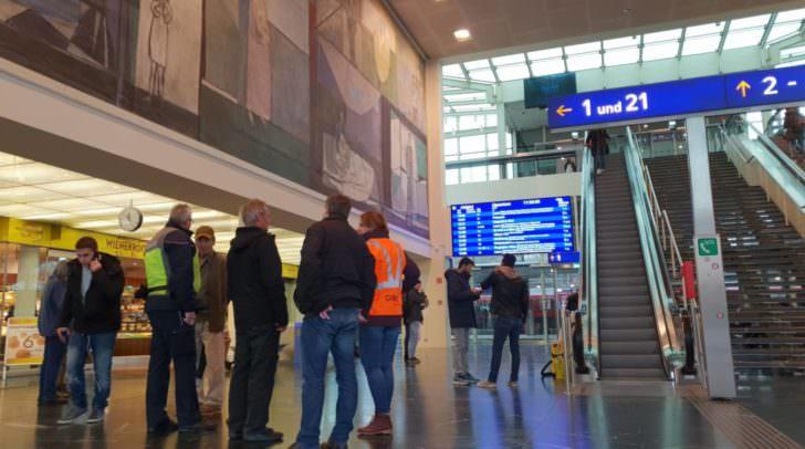 Sollte es heute Vormittag zu keiner Einigung kommen, werden österreichweit Mitarbeiter der ÖBB in Streik treten.