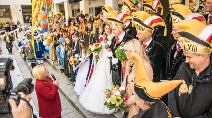 Alle Jahre sorgt die Präsentation des Prinzenpaares - hier im Vorjahr 2018 - für Spannung.
