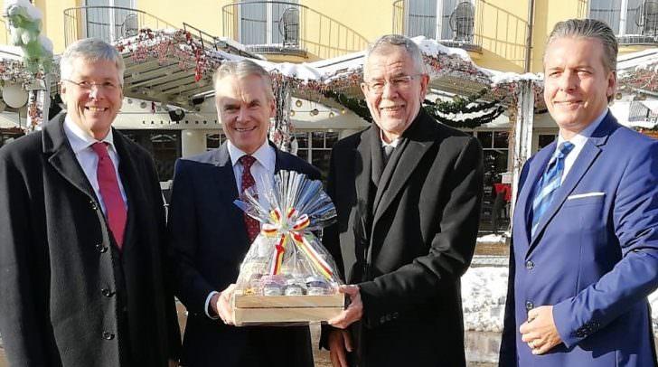 v.l.n.r.: LH Peter Kaiser, Bgm. Ferdinand Vouk, BP Alexander Van der Bellen, Casino-Dir. Paul Vogel