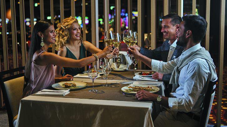 Fein essen und ausgiebig feiern - so soll ein Silvesterabend sein