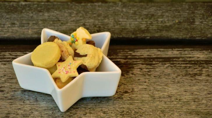 Am Villacher Wochenmarkt können Kinder selbst Kekse backen. Die Eltern können sich hilfreiche Tipps holen.