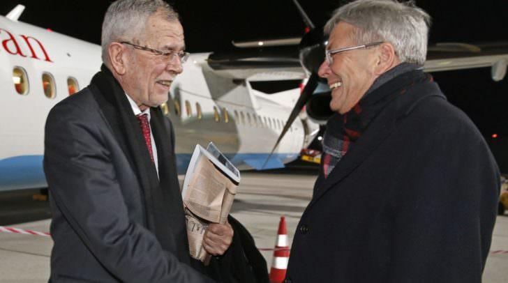 LH Peter Kaiser empfing den Bundespräsidenten Alexander van der Bellen am Klagenfurter Flughafen.