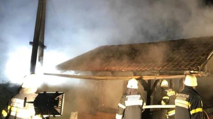 Die Freiweilligen Feuerwehren verhinderten Schlimmeres.