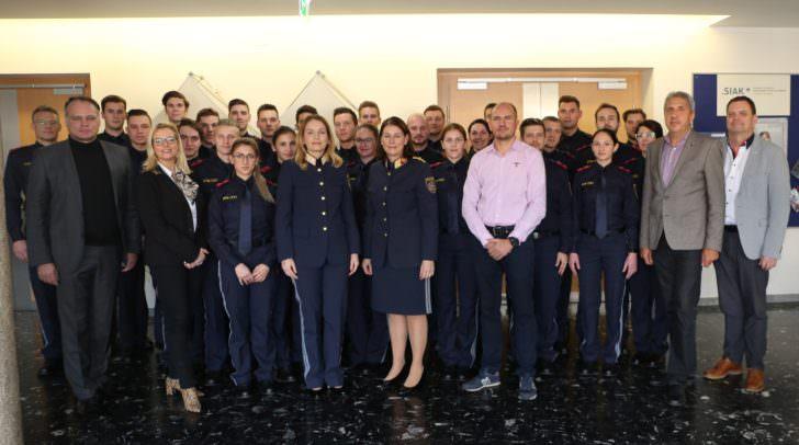27 Frauen und Männer absolvieren die sechsmonatige Basisausbildung zur Verwendung im fremden- und grenzpolizeilichen Bereich