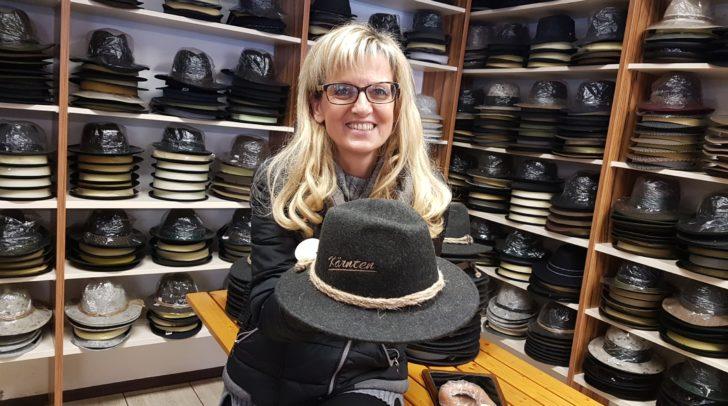 Christa Schneider in ihrem Betrieb