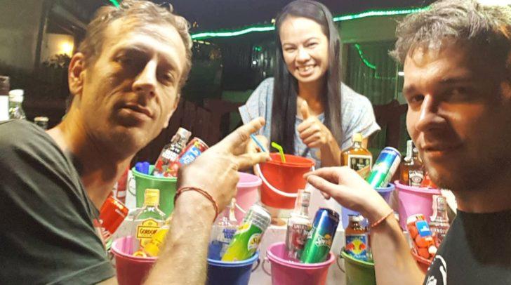 Aktuell sitzen Michael und Stefan in Thailand fest.