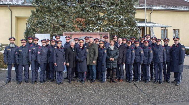Für 7 Polizeischülerinnen und 17 Polizeischüler war heute ein besonderer Tag, denn sie<br /></noscript>erhielten ihre Dienstprüfungszeugnisse und verstärken ab 1. Februar verteilt auf ganz<br />Kärnten die heimischen Dienststellen.