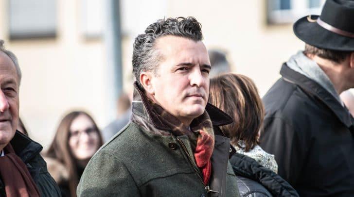 """FPÖ-Obmann Gernot Darmannfordert Schuschnig auf, selbst aktiv zu werden und """"zum Hörer zu greifen""""."""