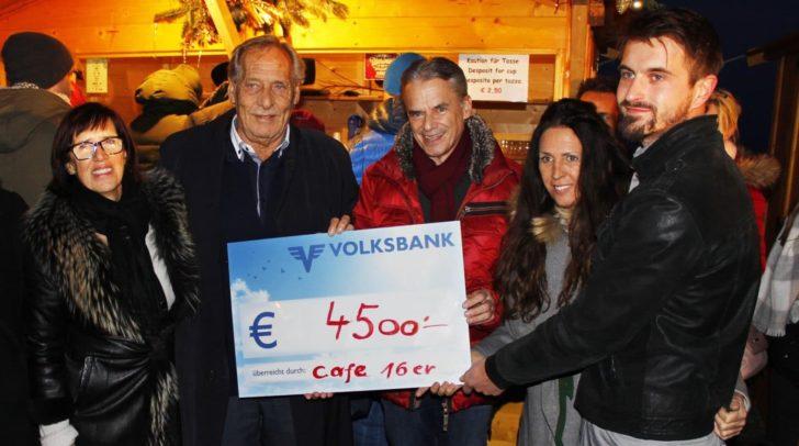 Die 4.500 Euro wurden am letzten Adventsonntag an die JUNO-Jugendnotschlafstelle übergeben.
