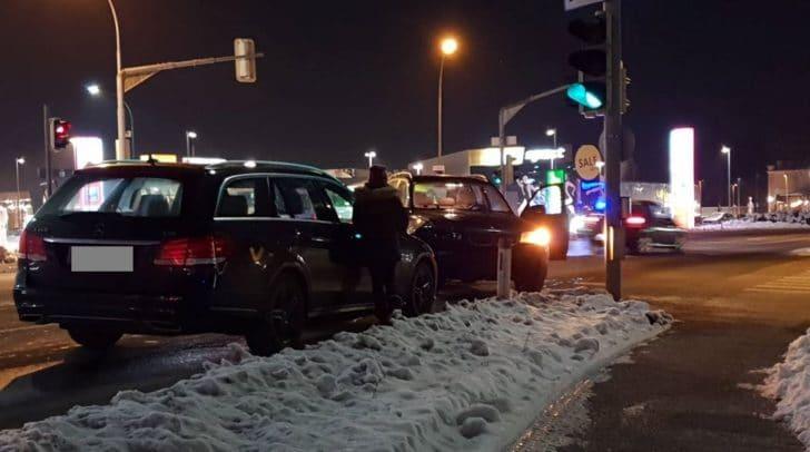 Auf der Maria Gailer Straße kollidierten fünf PKW.