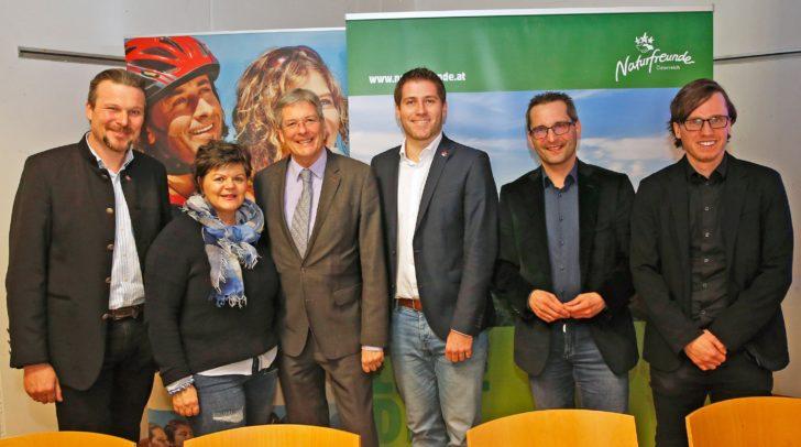 Jahreshauptversammlung der Naturfreunde, v.l.: Wolfgang Germ, Ruth Feistritzer, LH Peter Kaiser, Philipp Liesnig, Franz Petritz und Ronald Rabitsch