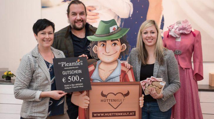 """Gewinnerin Doris Binder, Daniel Derler (""""Pleamle""""), Hütten-Kurt und Melanie Flath"""