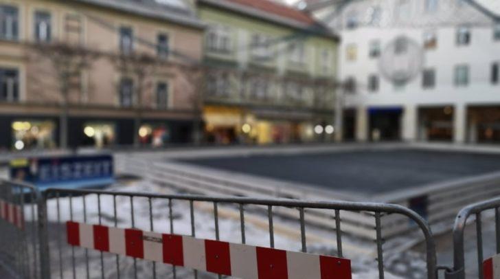 Saisonschluss für Kufenflitzer am Rathausplatz - jetzt wird abgebaut!