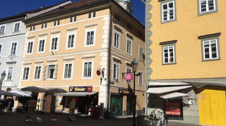Ein Kaufhaus mit rund 2.100 Quadratmetern Verkaufsfläche soll am Alten Platz entstehen.