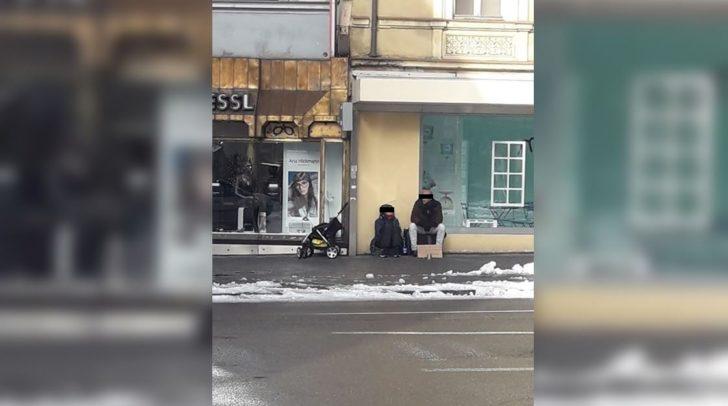 Ein 5min-Leser bemerkte heute dieses Bettlerpaar in Villach.