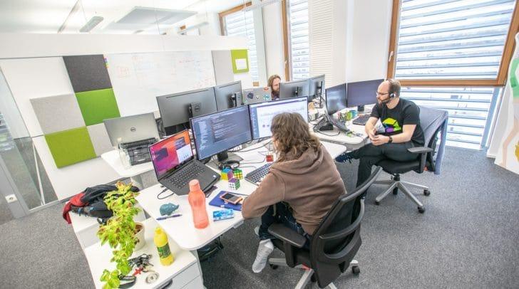 In Klagenfurt liegen die Schwerpunkte auf Mobilen Daten, Cloud Technologien, und Autonomous Cloud Management.