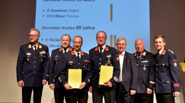 Im Zuge der Versammlung gab es eine Ehrung für 35 Jahre Mitgliedschaft von Gausterer Jürgen und Ebner Thomas