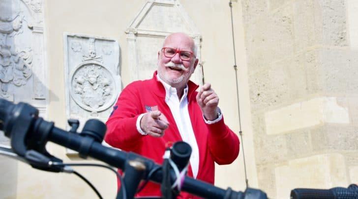 Leil-lei-Legende Gernot Bartl fungiert als Aktionator bei der Versteigerung der schönsten 20 Räder aus dem Fundlager der Stadt Villach. Termin: Dienstag, 2. April, 11 Uhr. Unbedingt vormerken!