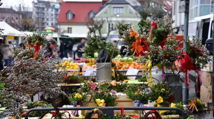 Das saisonale Angebot des Wochenmarktes gefällt den Kundinnen und Kunden und der Falstaff-Leserschaft.