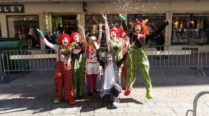 Das Team Santé (hier am Bild) liebt den Villacher Fasching - und hat sich dafür eine besondere Aktion ausgedacht.