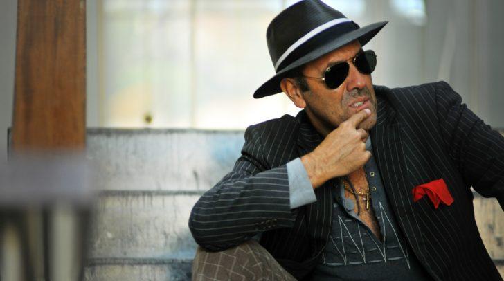 Aldo Celentano präsentiert mit viel Charme die Hits von Adriano Celentano.