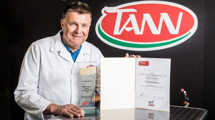 Ist stolz auf die Auszeichnung: Josef Hanschur, Produktionsleiter und Lehrlingsbeauftragter der TANN Wernberg/Föderlach