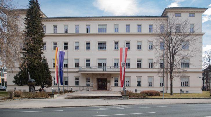 In der Kärntner Landesregierung wurden Ehrenzeichen für besondere Verdienste vergeben.