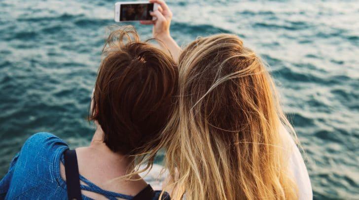 Die Liste ist lang und gerade, wenn man im Urlaub ist, könnte der Ärger aufgrund eines verlorenen gegangenen Mobiltelefons kaum größer sein.