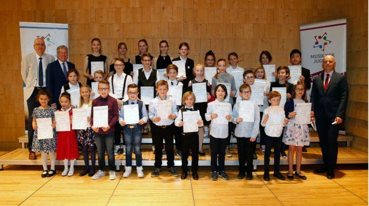Preisträger der Kategorien Schlagwerk, Kammermusik für Akkordeon, Kammermusik für Klavier und Streichinstrumente.