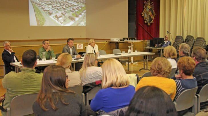Stadtpolitik und Fachbeamte präsentierten in Viktring noch einmal die beschlossene Lösung des Problemes Keltenstraße.