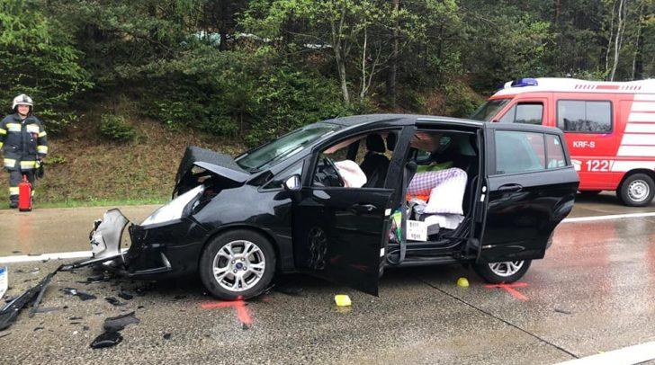 Bei dem Unfall kollidierte eine 72-jährige PKW-Lenkerin aus Deutschland mit dem Heck des vor ihr fahrenden PKW.