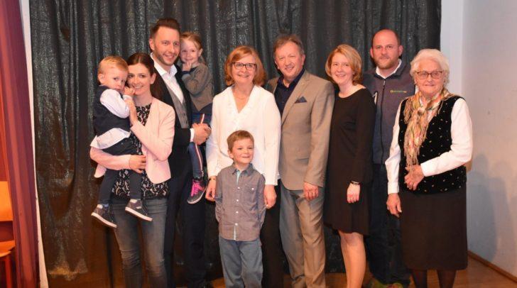 gm. Erich Kessler mit Frau Sissi, Kinder, Schwiegerkinder, Enkel und Schwiegermutter