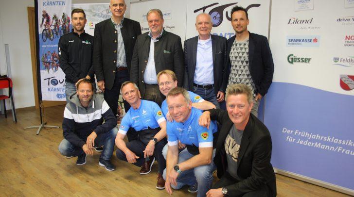 Am Bild: (hinten, v.l.) Bernie Eisel, Georg Overs, Martin Treffner, Johann Huber, Johnny Hoogerland und (vorne v.l.) Paco Wrolich, Bernd Neudert, Bernhard Felder, Rüdiger Augustin, Arno Arthofer.